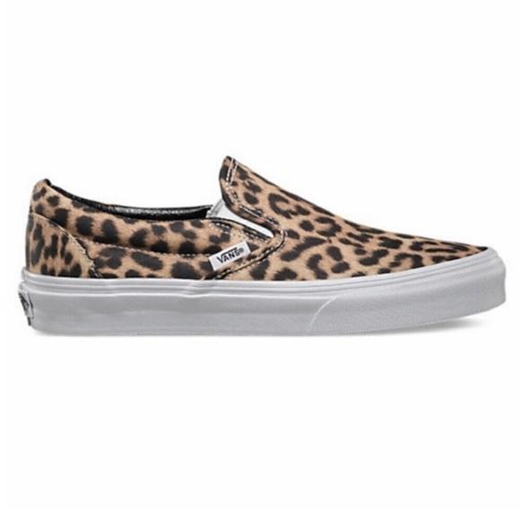 fac55553e2 Vans cheetah print slip ons. M 5c55a0b612cd4a00654d41de